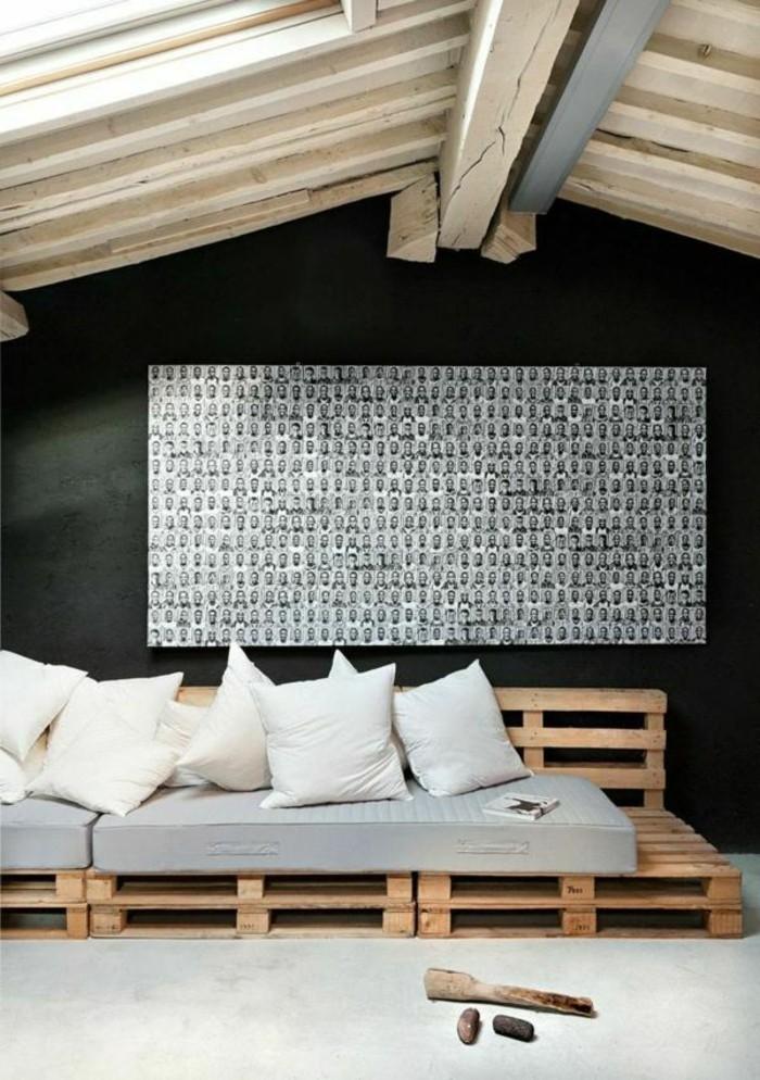 europaletten-möbel-weiße-kissen-hohe-zimmerdecke-wunderschönes-sofa-design