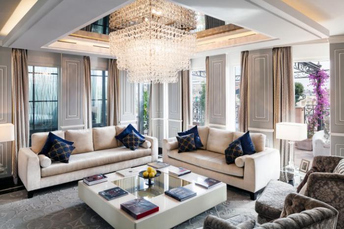 exquisites-Wohnzimmer-Interieur-attraktives-Modell-Wohnzimmertisch