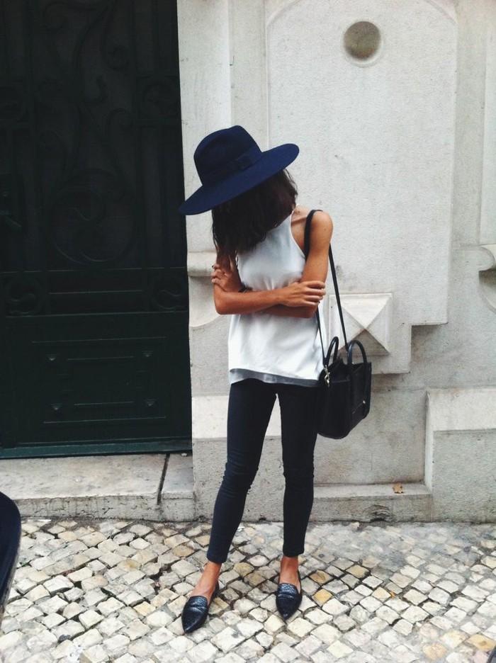 filz-hut-blau-eng-leggigs-schwarze-tasche