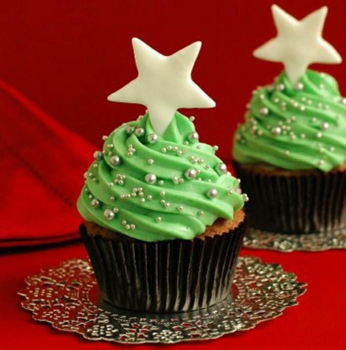 geburtstagskuchen-für-kinder-grüne-muffins-interessante-weiße-sterne