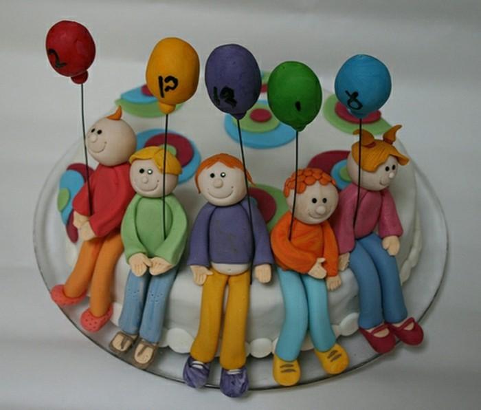 geburtstagskuchen-für-kinder-interessantes-modell-bunte-modelle