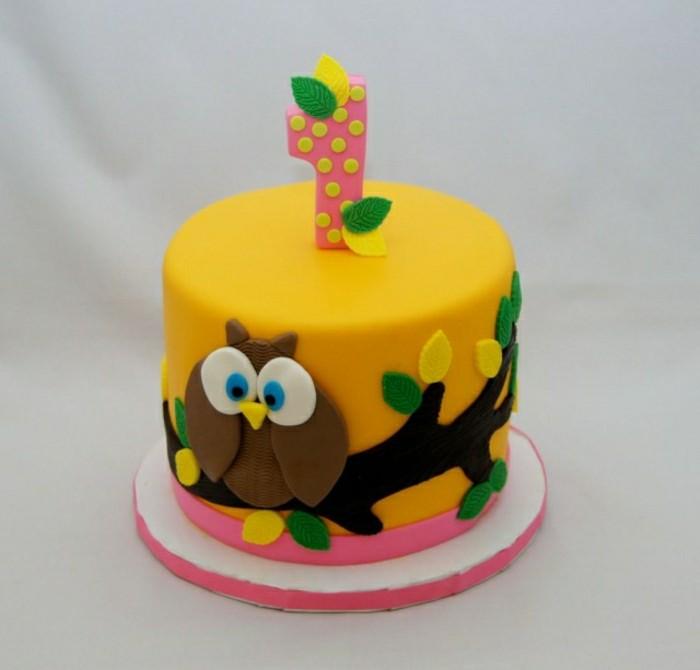 geburtstagskuchen-rezepte-gelbe-farbe-unikale-kleine-torte-für-kinder