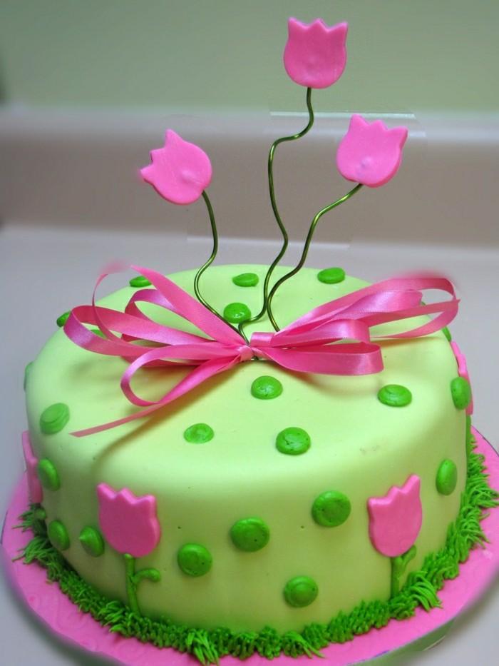 geburtstagskuchen-rezepte-kleine-leckere-torte-in-grün-und-pink