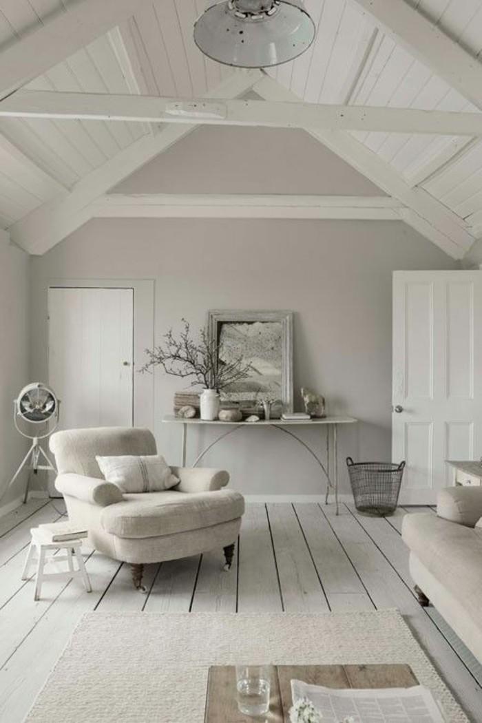 gemütliches-fantastisches-Interieur-in-weichen-Nuancen-mit-Holzboden