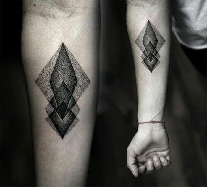geometrische-Tattoo-Ideen-Männer-Unterarm-Tattoo