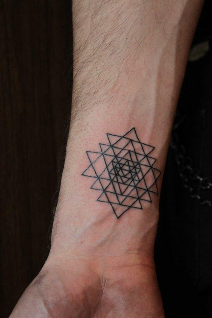 geometrische-Tattoo-Ideen-Tattoo-Motive-Männer-Tattoo-Symbole