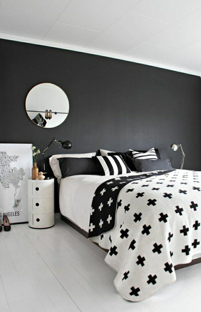 graue-Farbgestaltung-Schlafzimmer-schöne-Bettwäsche