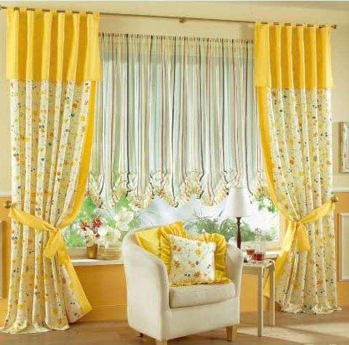herrliche-gelbe-gardinen-im-romantischen-wohnzimmer