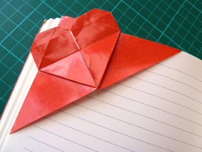 herze-basteln-rotes-modell-interessante-origami