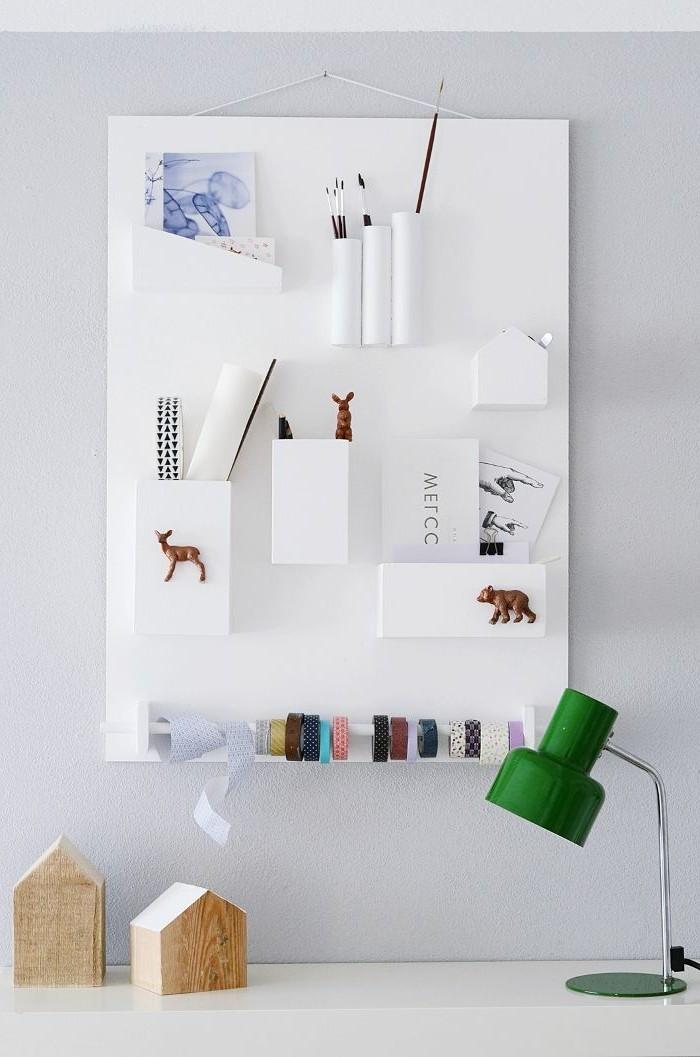 ideen-wandgestaltung-attraktives-modell-weißes-bild-an-der-wand