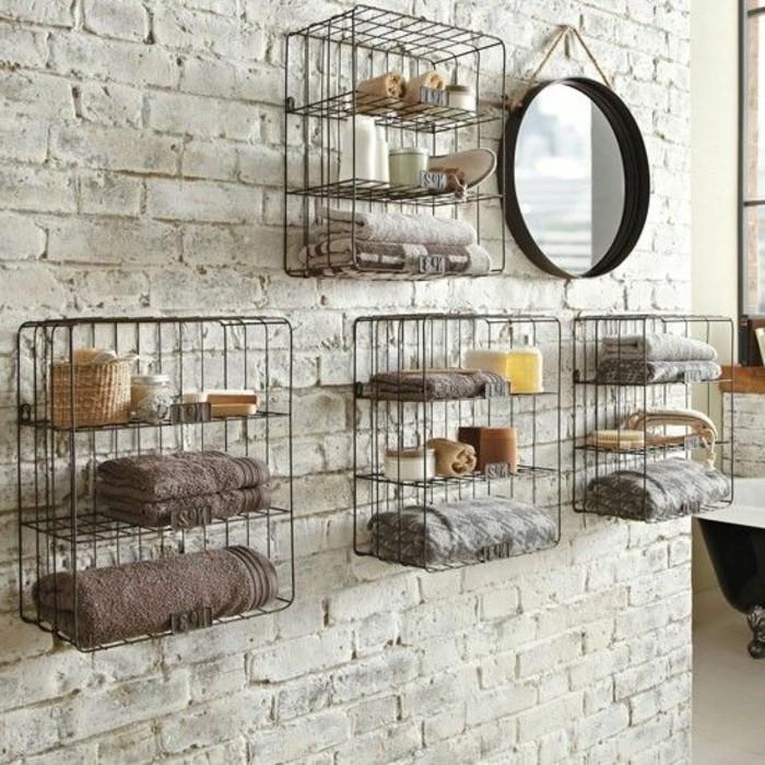 interessante-badezimmermöbel-attraktive-rustikale-regale-runder-spiegel-an-der-wand