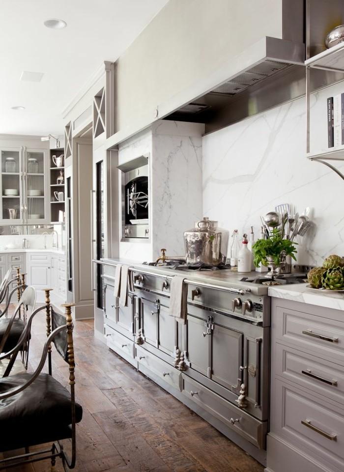 küche-magnolia-hochglanz-sehr-elegante-einrichtung
