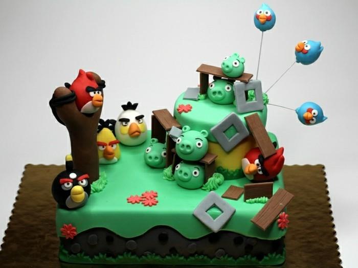 kindergeburtstagskuchen-angry-bird-inspiriert