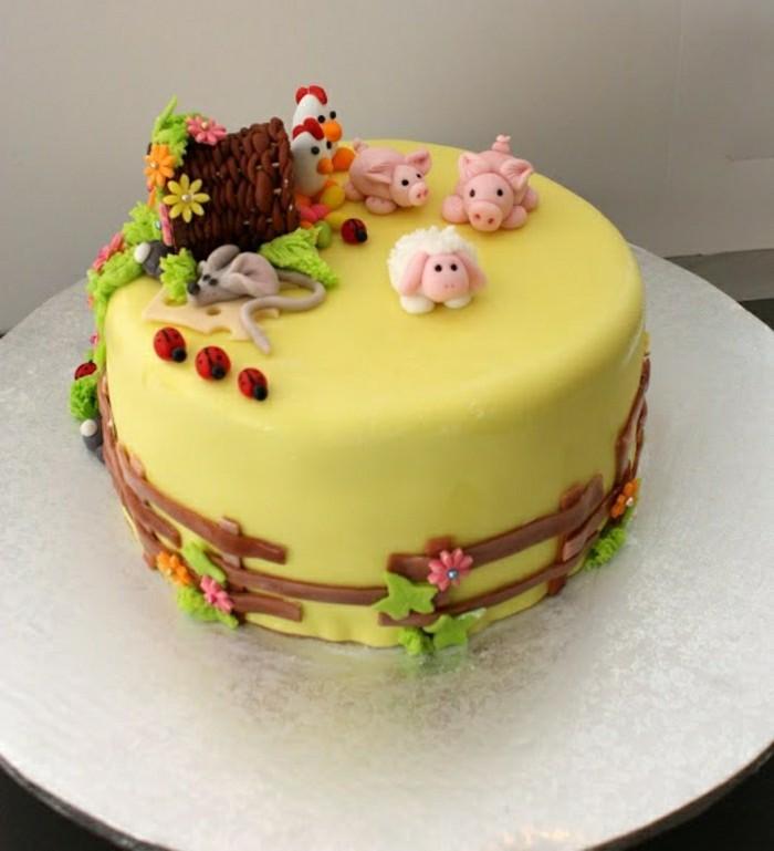 kindergeburtstagskuchen-gelbe-creme-wunderschöne-gestaltung