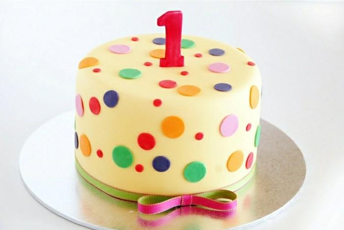 kindergeburtstagskuchen-kleine-süße-torte