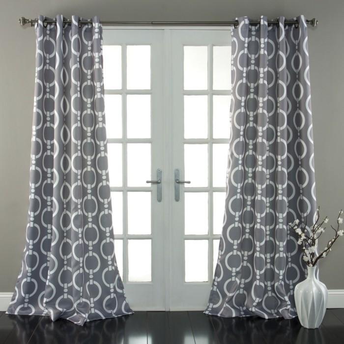 kreatives-design-gardinen-glastüre-im-schönen-zimmer