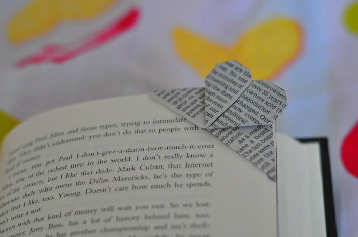 lesezeichen-selber-machen-origami-basteln-graue-und-gelbe-gestaltung