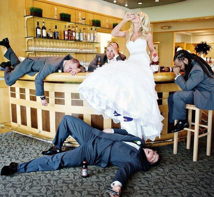 lustige-Hochzeitsfotos-die-betrunkene-Braut