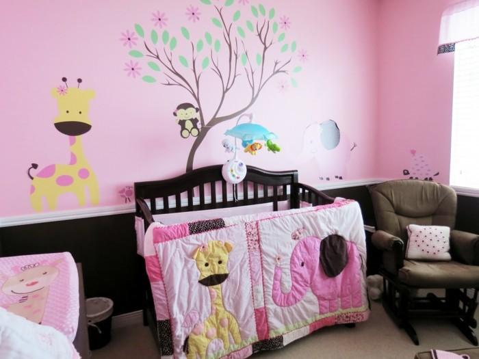 mädchen-tapete-im-madchenzimmer-herrliche-rosige-farbe