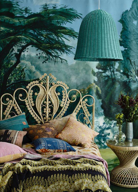 märchenhafte-Schlafzimmer-Atmosphäre-für-ein-gegenwärtiges-Dornröschen
