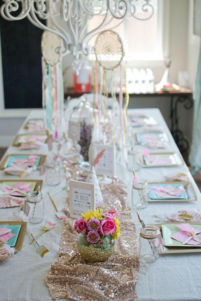märchenhafte-Tischdekoration-für-Dornröschen-Party