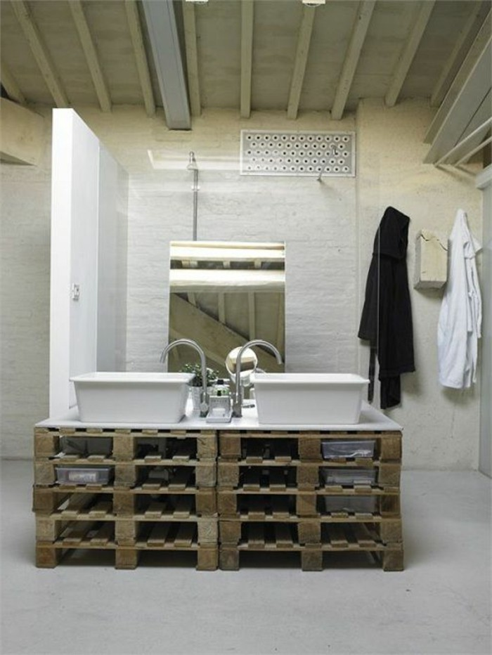 möbel-aus-paletten-tolles-badezimmer-unterschrank-zwei-waschbecken