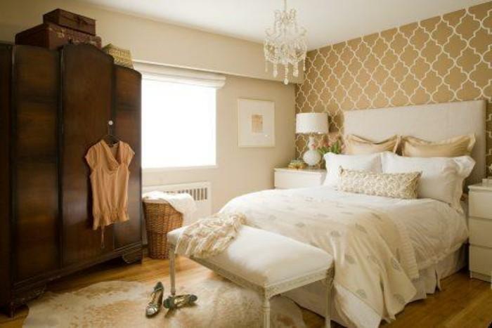 magnolia-farbe-elegantes-gemütliches-schlafzimmer-retro-modell