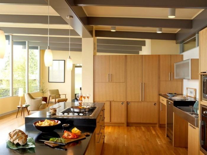 magnolia-farbe-küche-große-schränke-aus-holz