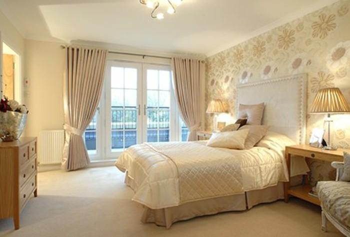 magnolia-farbe-wunderschönes-schlafzimmer-modell-großes-fenster