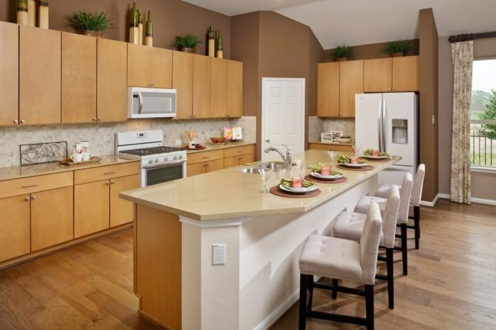 magnolia-küche-wunderschönes-design-viele-barstühle