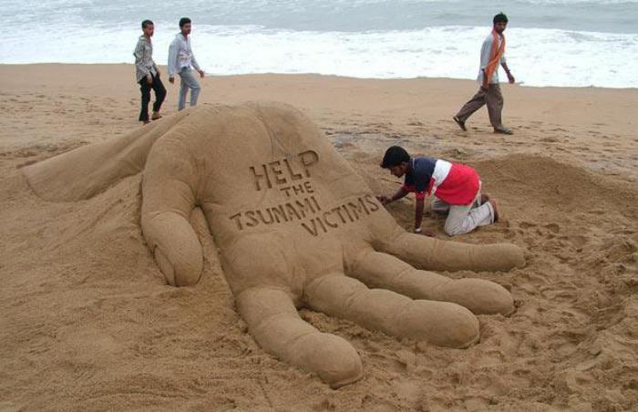 moderne-Skulpturen-aus-Sand-soziale-Botschaft
