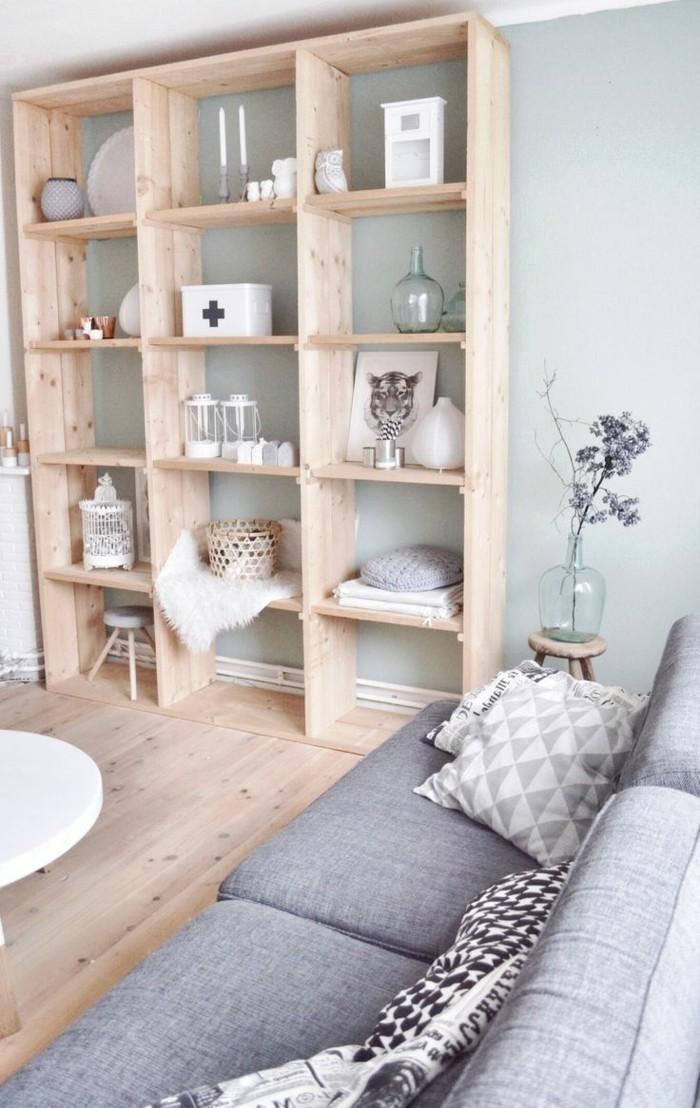 moderne-Wohnung-günstige-Möbel-Holzboden