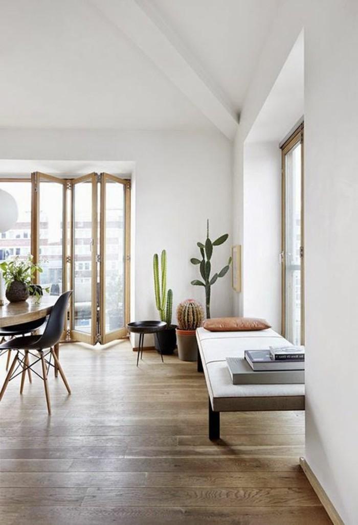 moderne-Wohnung-hölzerne-Möbel-Terasse-Holzboden