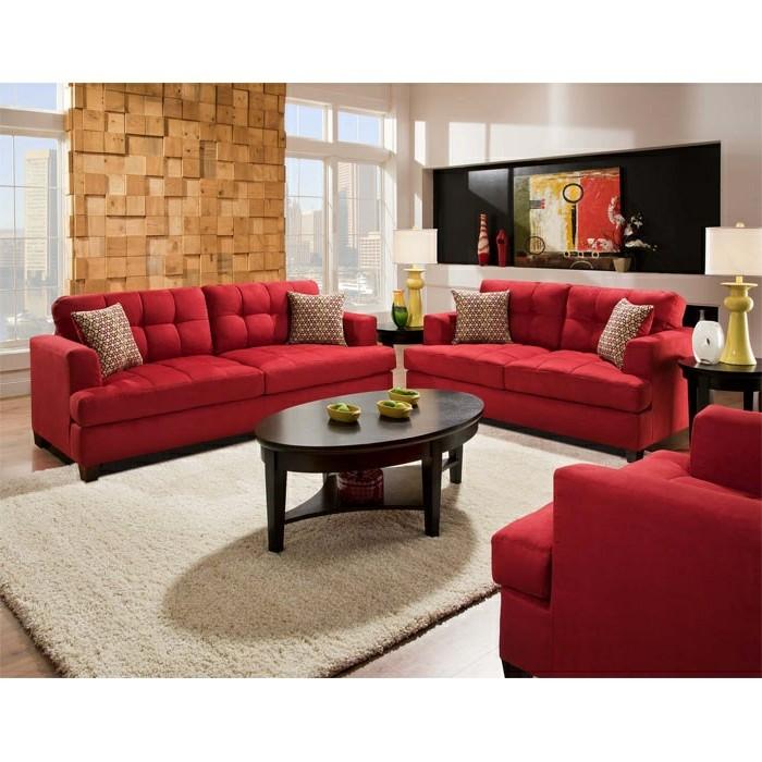 moderne-Wohnung-mit-drei-roten-Sofas