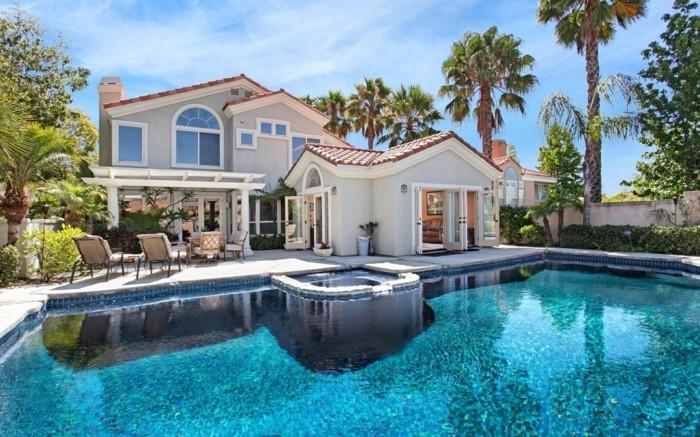 moderne-architektenhäuser-super-tolles-modell-mit-einem-schwimmbad