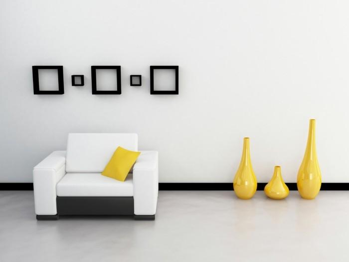 moderne-deko-im-schicken-wohnzimmer-wand-in-weiß-und-gelbe-dekoartikel