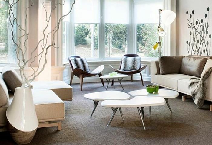 moderner-tischschmuck-im-eleganten-und-modernem-wohnzimmer