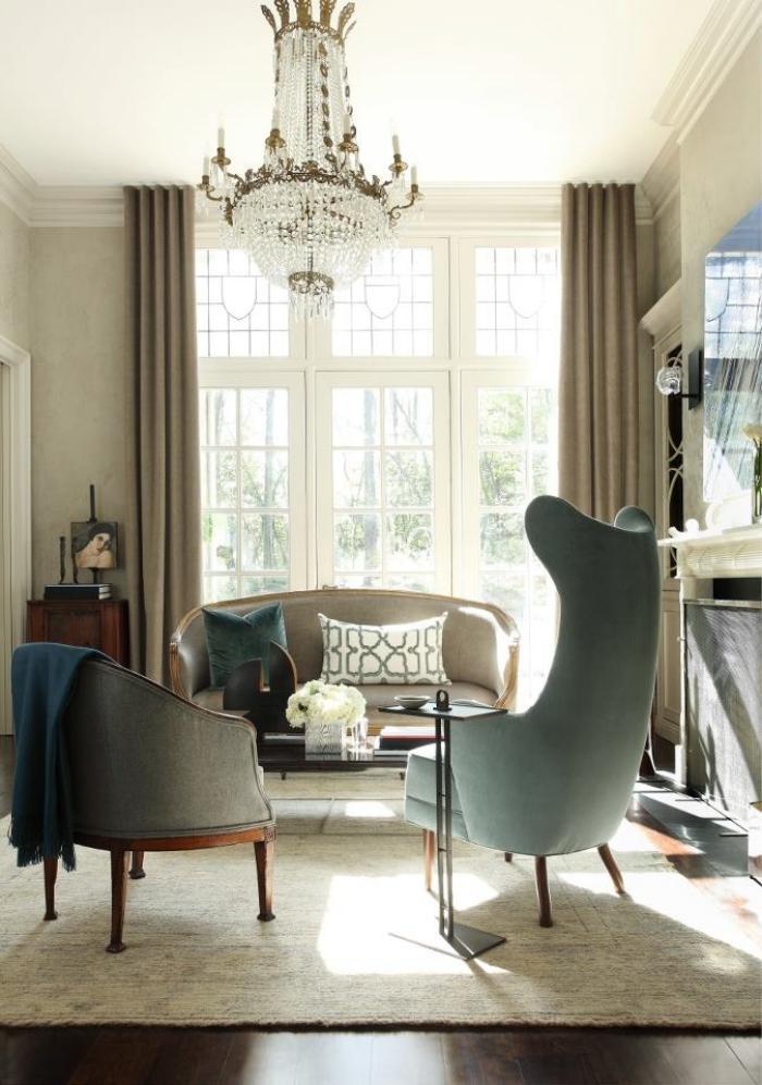 modernes-Interieur-wunderschöner-vintage-Kristallleuchter