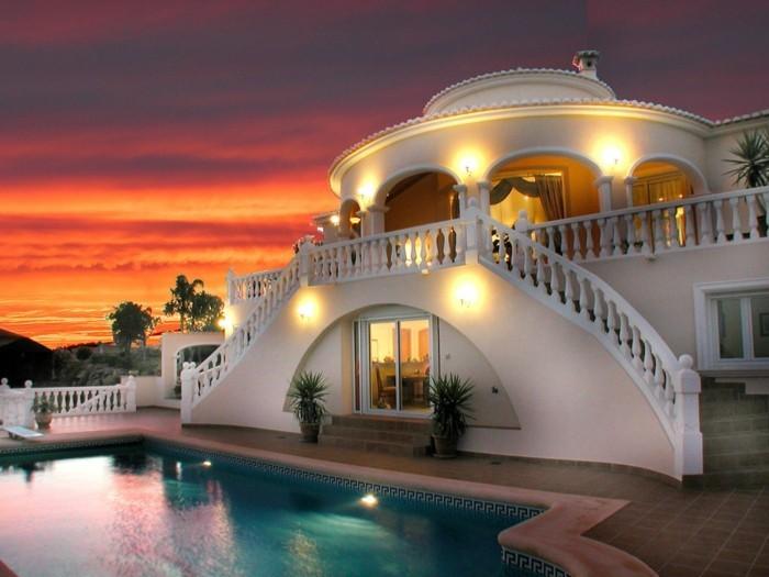 modernes-architektenhaus-unikale-beleuchtung-attraktives-design