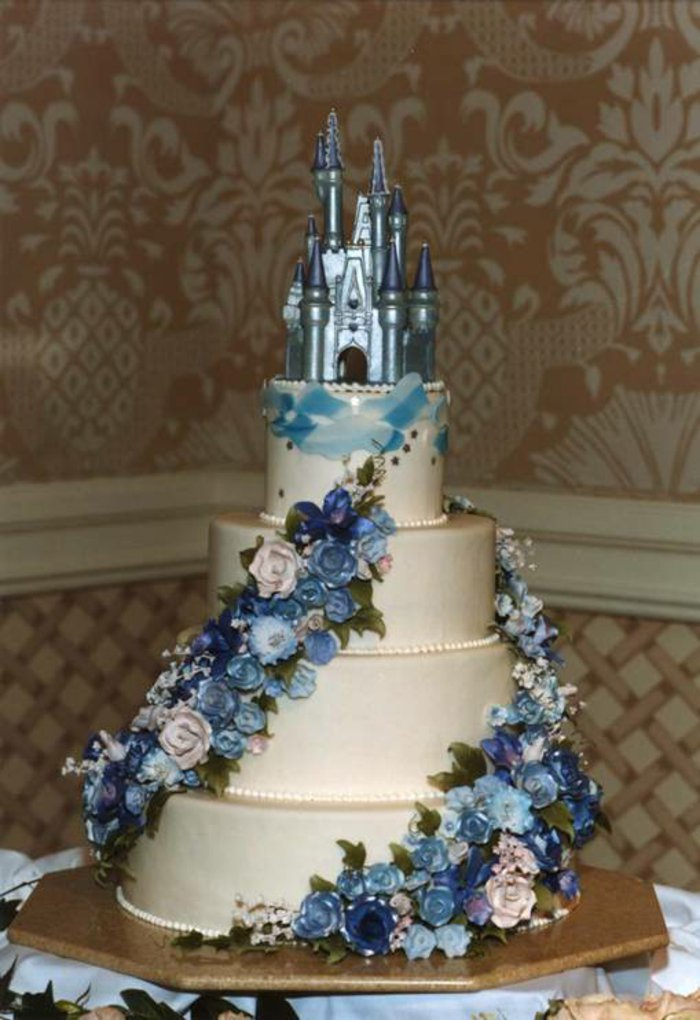 mysteriöse-Torte-inspiriert-vom-Cinderella-Märchen