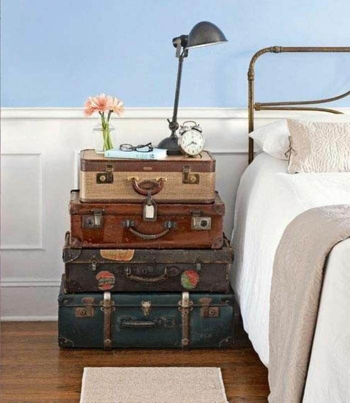 nachttisch-selber-bauen-design-aus-koffern-gemacht-neben-dem-bett