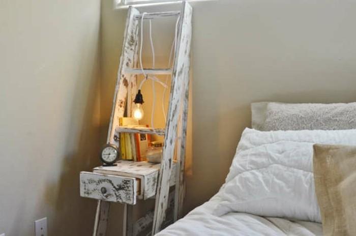 nachttisch-selber-bauen-sehr-schönes-modell-neben-einem-bett-mit-weißen-bettwäschen