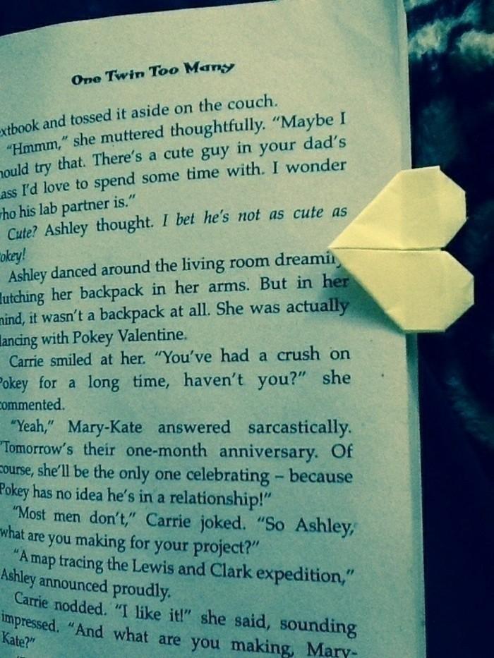 origami-herz-basteln-idee-für-lesezeichen
