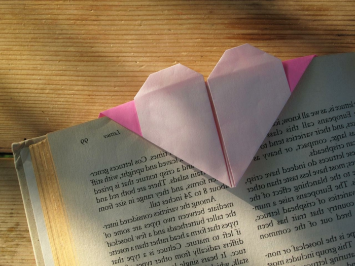 origami-herz-unikales-modell-in-rosiger-farbe