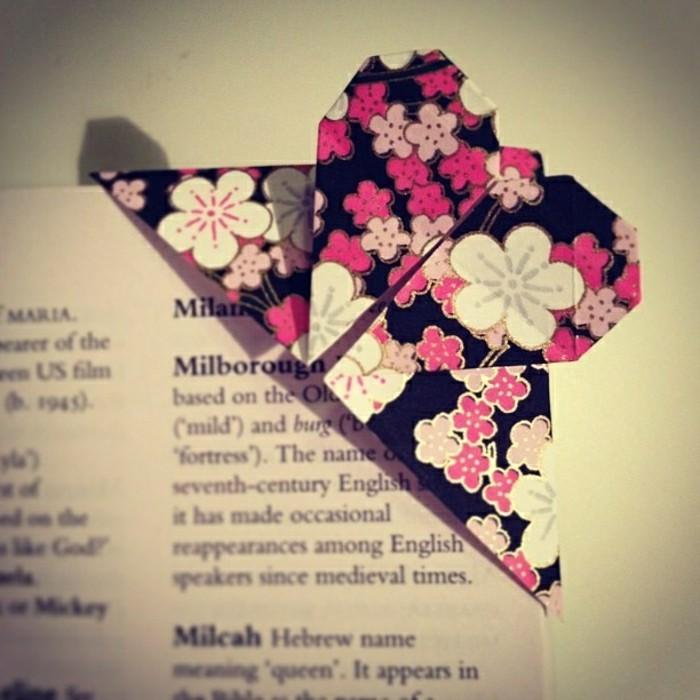 origami-herz-wunderschöne-idee-für-lesezeichen-in-bunten-farben