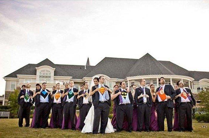 originelle-Hochzeitsfotos-Ideen-die-Männer-als-Superhelden