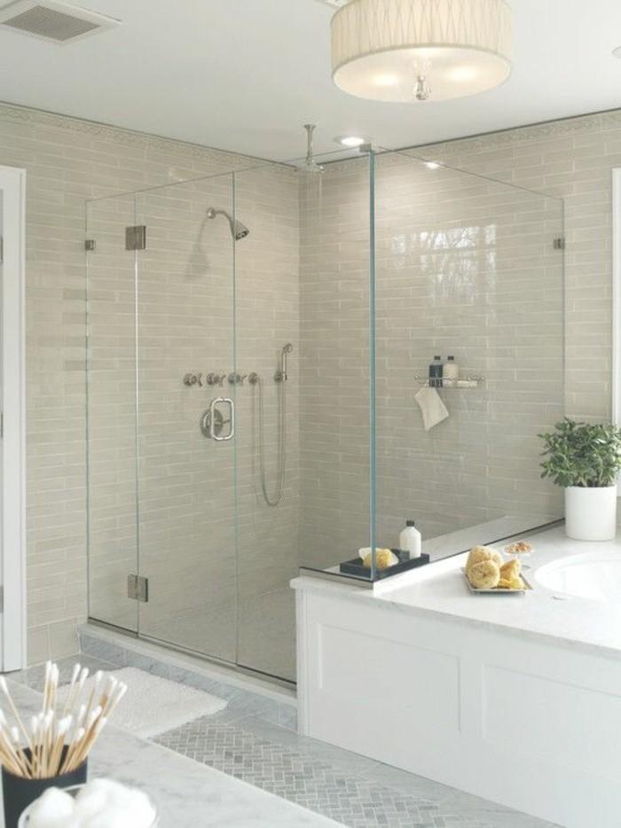 originelle-badezimmer-ideen-große-moderne-duschkabine