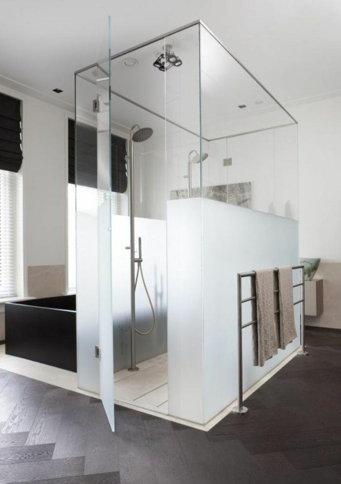 originelle-badezimmer-ideen-große-schöne-duschkabine