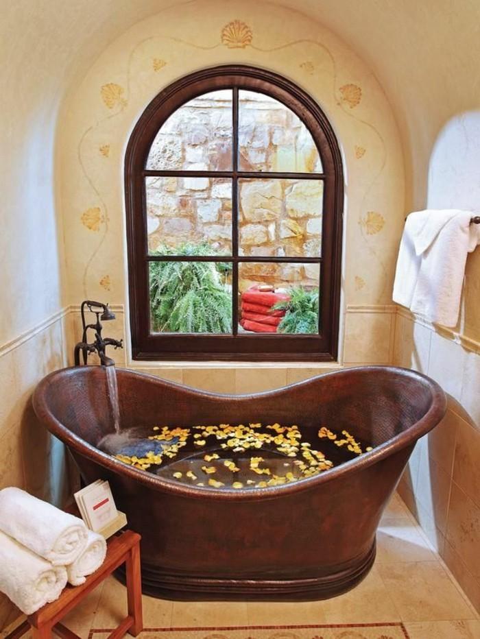 originelle-badideen-braune-badewanne