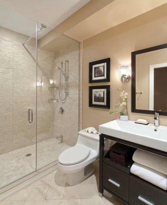 originelle-badideen-wunderschöne-duschkabine-tolle-gestaltung-mit-spiegel